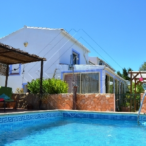 4 Bed Country Villa with Pool and Annex Ref 401
