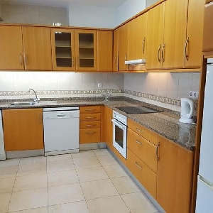 FRONT LINE 2 Bedroom Apartment near Marina and Beach Ref 201