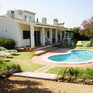 SOLD SPECIAL 3 Bedroom Villa with Pool Ref 483