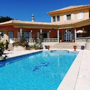 2 Bed Luxury Villa with…