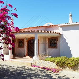 Mountain View 3 Bedroom Villa with Pool, Garage and Annex REF 307