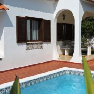 Charming Portuguese Detached Villa 4 bedrooms, pool, garage and annex