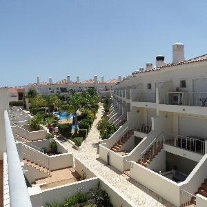 3 Bedroom Algarve Villa with Pool Ref 303